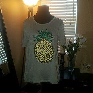 NWOT Pineapple tee🍍